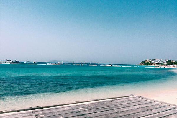 เที่ยวทะเลสวย หาดทรายขาว กับฝรั่งแน่นๆ ที่เกาะล้าน พัทยา